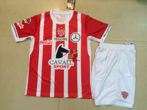 Uniforme Necaxa local